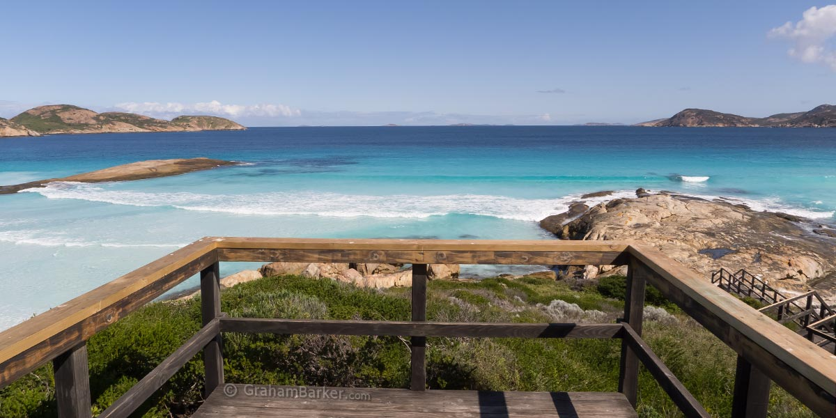 View over Lucky Bay from the lookout